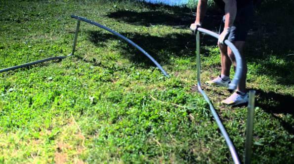 Как установить батут на даче