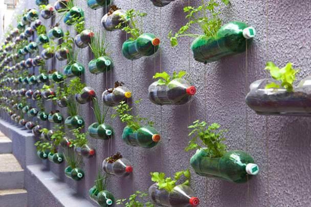 изготовления подвесных вазонов для цветов из пластиковых бутылок
