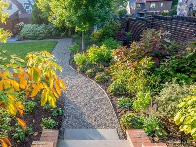 Преимущества садовых дорожек из гравия