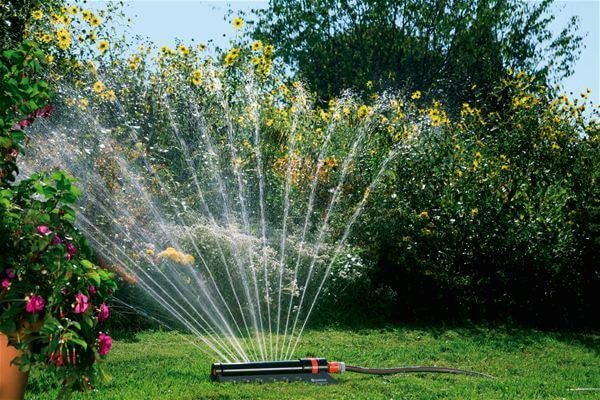 Дождеватели для полива садового участка