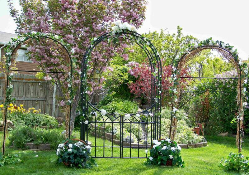 Садовые арки, перголы