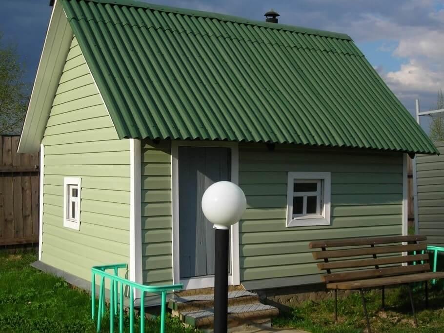 Выбираем сайдинг для дачного дома: плюсы и минусы разных видов