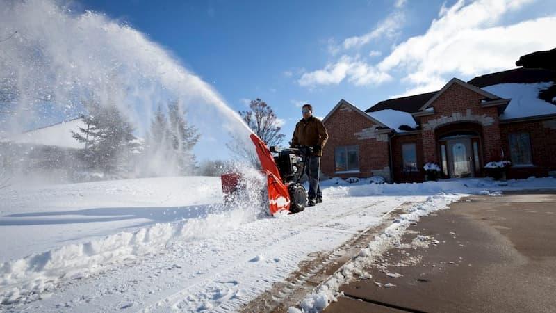 Как правильно выбрать снегоуборщик